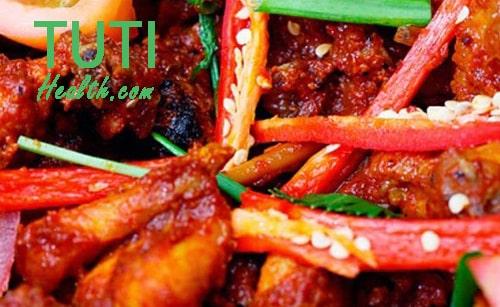 Ăn các món ăn cay nóng