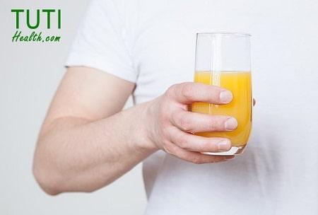 Cách uống nước cam đúng cách
