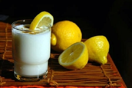 Nước chanh và sữa tươi