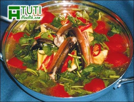 Canh chua nấu lươn trái giác - Món ngon làm từ dây trái giác