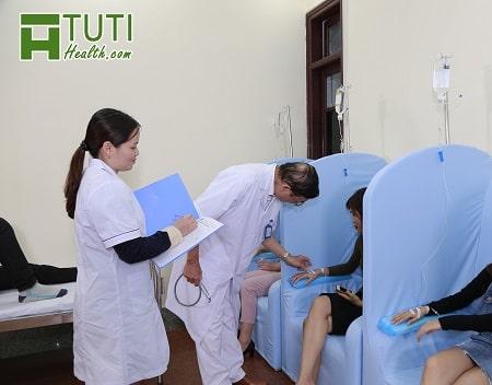 Phương pháp điều trị đa dạng và bác sĩ rất ân cần chăm sóc bệnh nhân