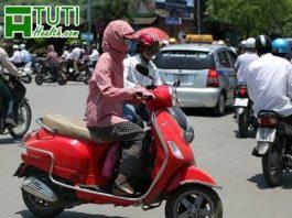 Sau sinh 1 tháng có nên đi xe máy không ?