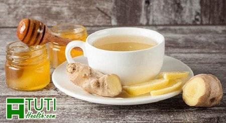 Bạn trai hãy nấu trà gừng, canh ấm cho người yêu mình uống khi đến tháng