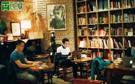 Tranquil Books & Coffee - Quán cafe sách yên tĩnh, thích hợp để làm việc học tập