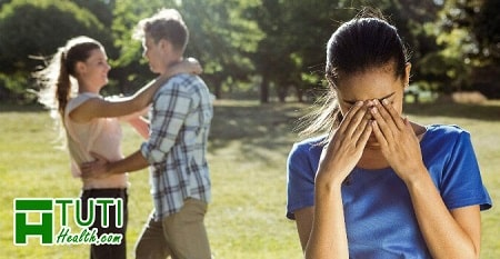 Điều cần làm khi bị lừa dối trong tình yêu là đừng để cảm xúc lấn át lý trí