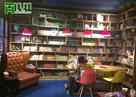 Hoa 10 Giờ Cafe - Quán cafe làm việc ở Hà Nội dành cho những người thích đọc sách