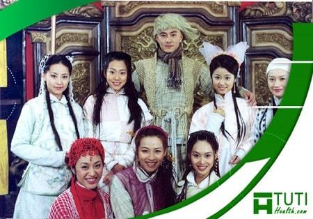 Vi Tiểu Bảo Trương Vệ Kiện bên cạnh 7 bà vợ nghiêng nước nghiêng thành của mình