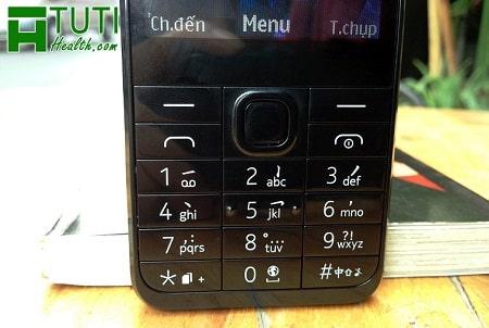 Soạn tin nhắn trên bàn phím điện thoại cục gạch là một cách luyện nội công ngón tay rất tốt